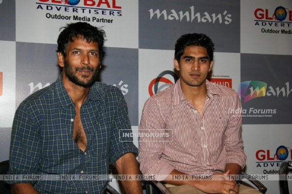 "Milind Soman and Boxer Vijendra Singh at ""Body Mind Exhibition"" at Grand Hyatt"