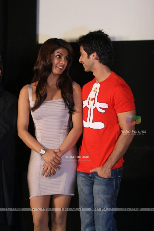 Shahid Kapoor and Priyanka Chopra at ''Kaminey'' Press Meet at Cinemax, in Mumbai