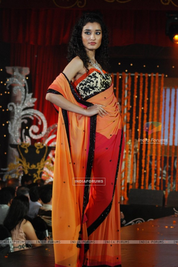Model at Gitanjali 15 Years Celeberations Show in Mumbai