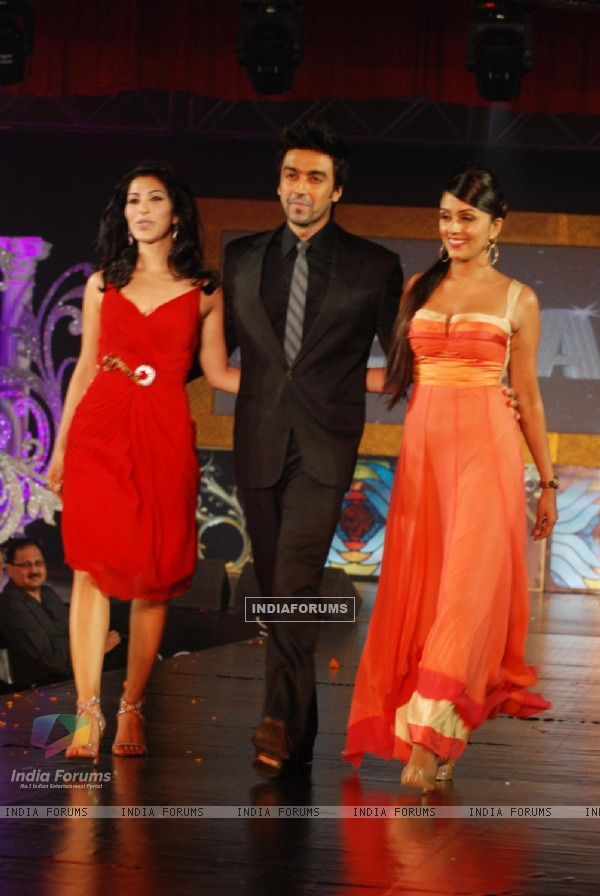 Sophie Choudhary with Aashish Chaudhary at Gitanjali 15 Years Celeberations Show in Mumbai