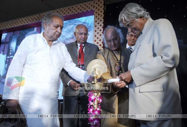 Pt Hariprasad Chaurasiya, Pt Jasraj with Dr Abdul Kalam at Music Industry forum