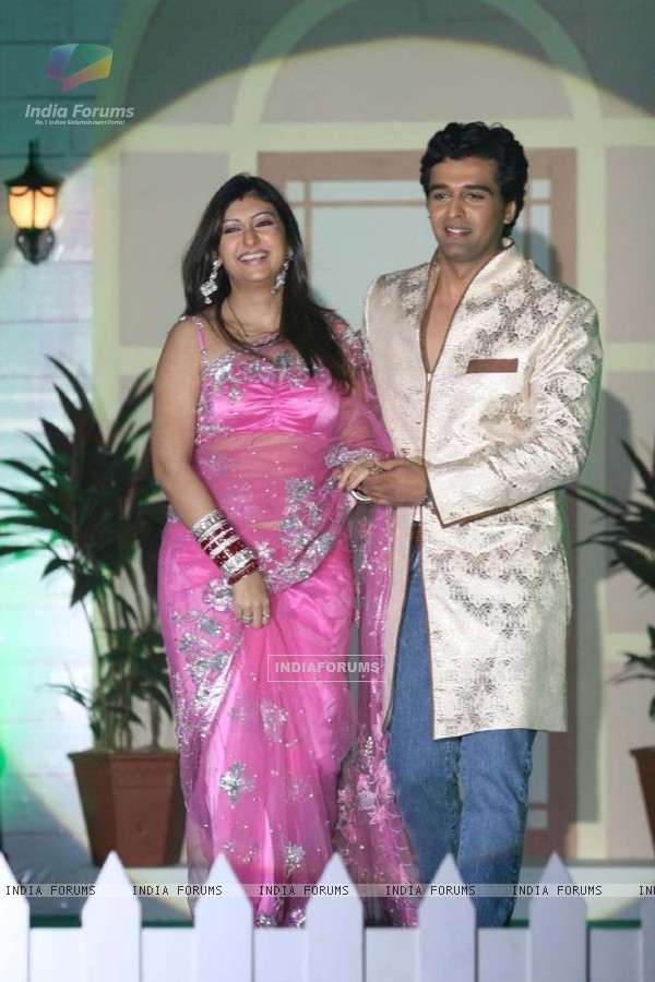 "Juhi Parmar and Sachin Shroff at the launch of ""Pati, Patni Aur Woh"""