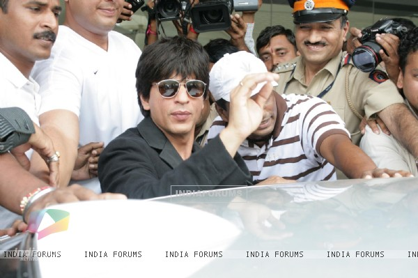 Bollywood superstar Shah Rukh Khan at Mumbai airport after he returned from the US