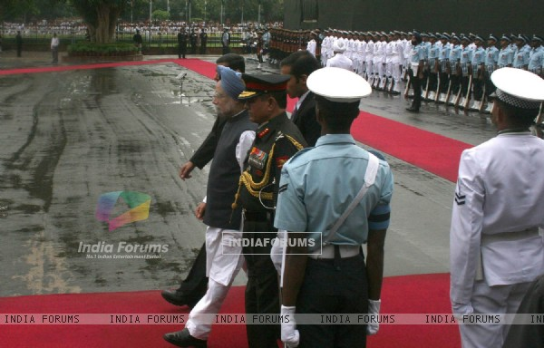 Prime Minister Manmohan Singh at the Red Fort, on the occasion of 63rd ...