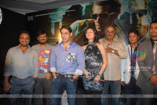 "Salman Khan & Ayesha Takia at ""Wanted Press Meet"""