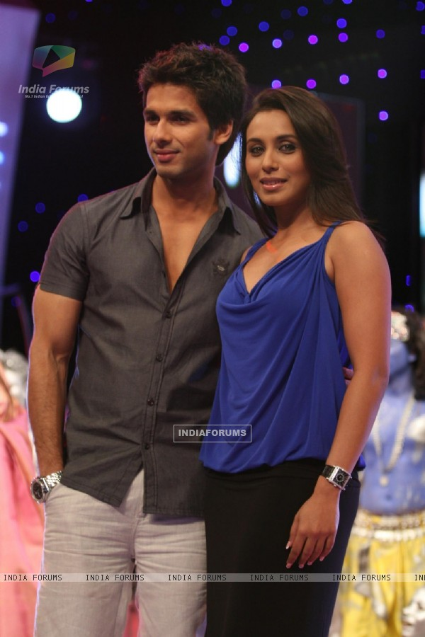 "Rani Mukherjee at Sahid Kapur at ""India''s Got Talent"" finals"