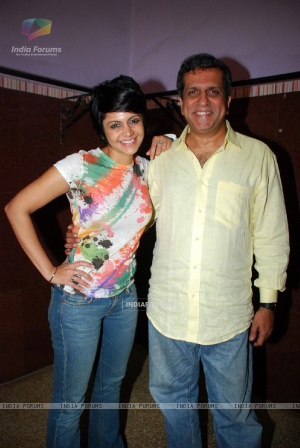 Mandira Bedi and Darshan Jariwala promoting their new play