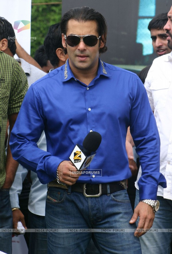 "Bollywood actor Salman Khan at a campaign ""INDIA FIRST"" organised by Zee News, at Vijay Chowk, New Delhi"