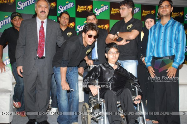 Saurav Ganguly and SRK at Kolkatta Riders Winners Meet