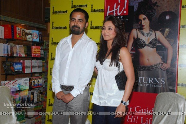 "Rani Mukherjee ""Launches Latest Issue of Hil Blitz"""