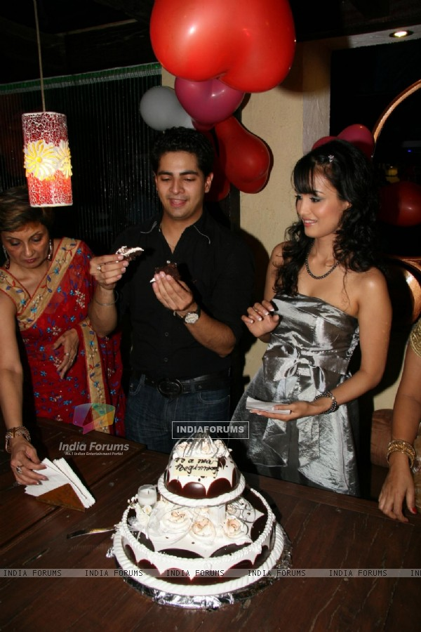 Karan Mehra''s birthday bash