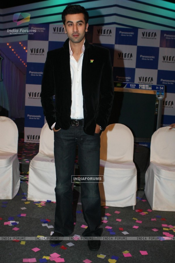 Ranbir Kapoor launches Z1 plasma TV