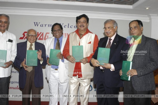 Shatrughan Sinha at Ram Jethmalani honour by Shayog Foundation