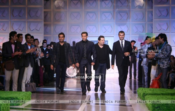 Bollywood actor Salman Khan with designers Rohit Gandhi and Rahul Khanna at their show at the Van Heusen India Mens Week, in New Delhi on Sunday