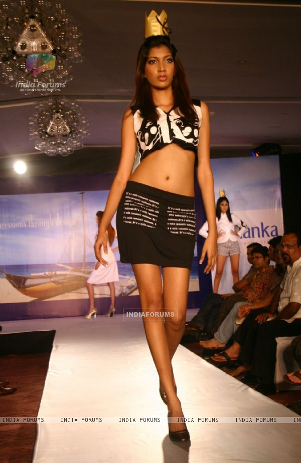 A Sri Lankan model presenting creation by Sri Lankan designer Sarani Gunawickrama during the Sri Lankan fashion show in New Delhi on 15 Sept Tuesday night 2009