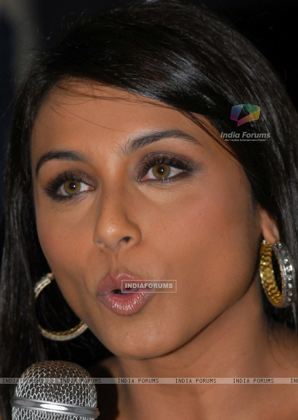 Rani Mukherjee Visits Kolkata to promote her upcoming release film Dil Bole Hadippa on 19th Sep 09