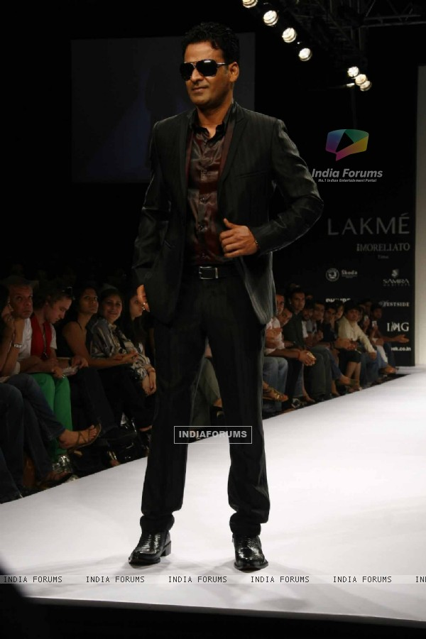 Manoj Bajpai on the ramp for Designer Troy Costa at Lakme Fashion Week for spring/summer 2010
