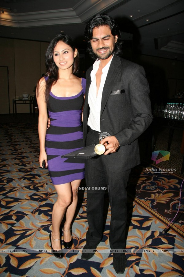 Gaurav Chopra with Mouni Roy at Achiever Awards at Leela Hotel