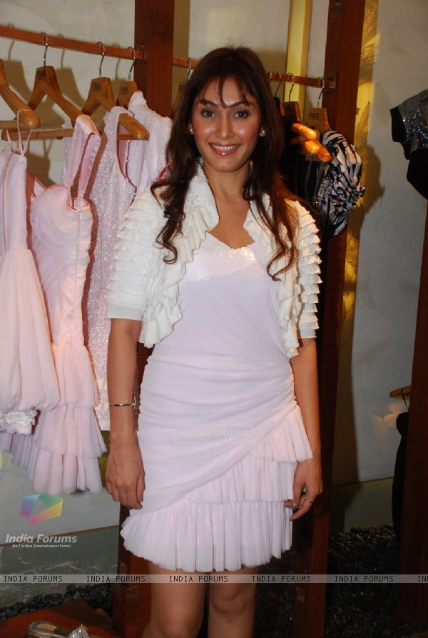 Manjari Phadnis at Nishka Lulla''s fashion Preview at Fuel in Mumbai