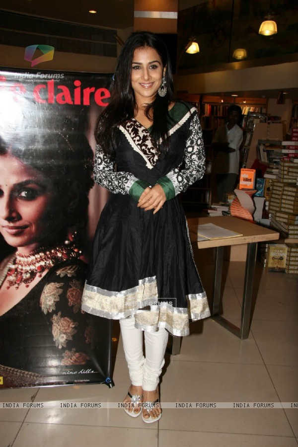 Vidya Balan launches latest issue of Marie Claire at Crossword, Kmeps Corner in Mumbai