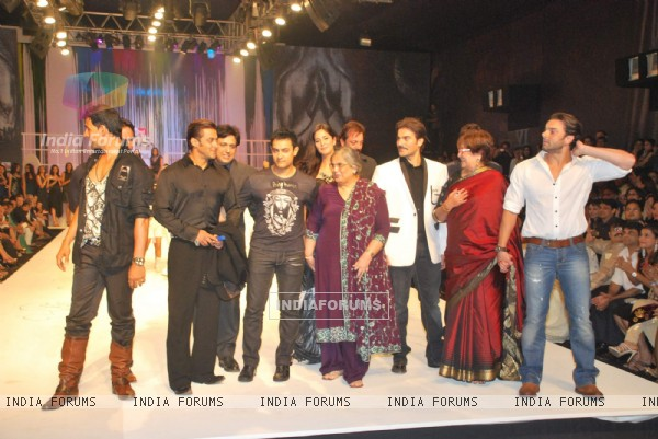 Govinda, Sanjay Dutt, Ajay Devgun, Aamir Khan and Katrina Kaif at Salman Khan''s Being Human show at HDIL India Couture Week on Day 2