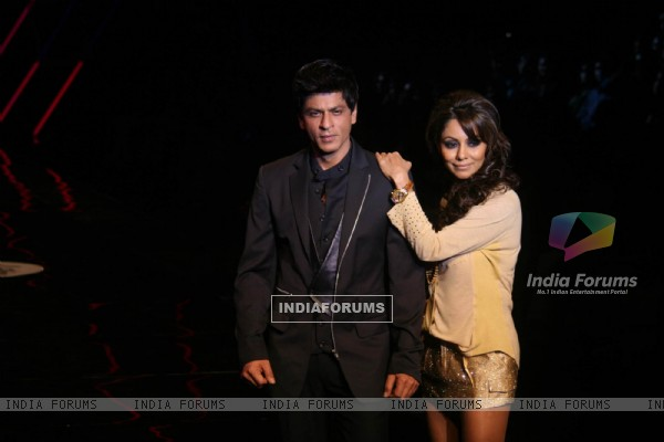 Shah Rukh Khan and Gauri Khan walks on the ramp for the Karan Johar show