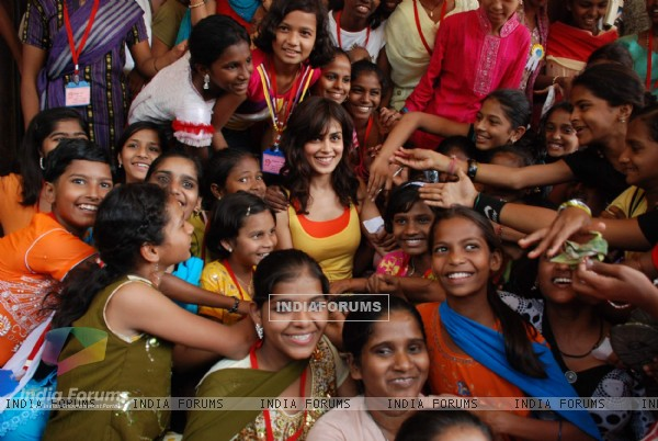 Genelia at Anmol Palekar Diwali celeberations for street girls