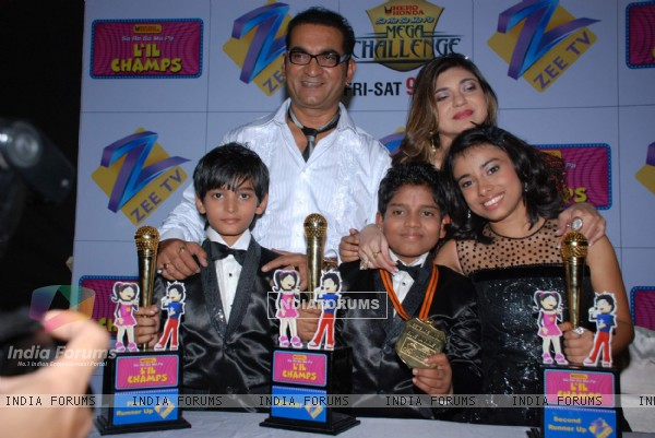 Abhijeet and Alka Yagnik on the sets of Sa Re Ga Ma Little Champs Grand Finale