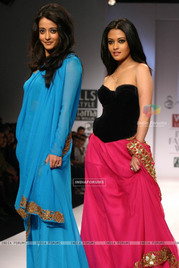 Riya Sen and Raima Sen at the designer Sanjana Jon show at the Wills Lifestyle India Fashion Week in New Delhi on Sunday 25 Oct 2009