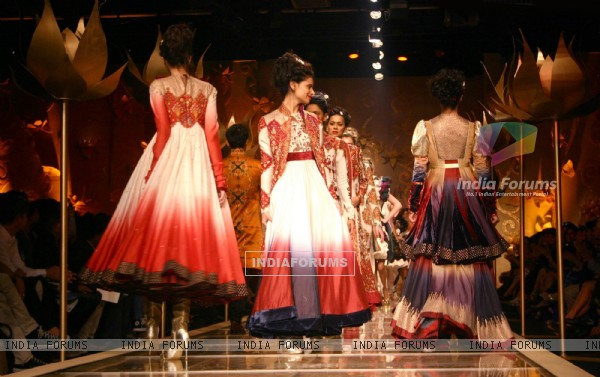 Models showcasing designer Rohit Bal''s grand finale at the Wills Lifestyle India Fashion Week in New Delhi on Wednesday night 28 Oct 2009