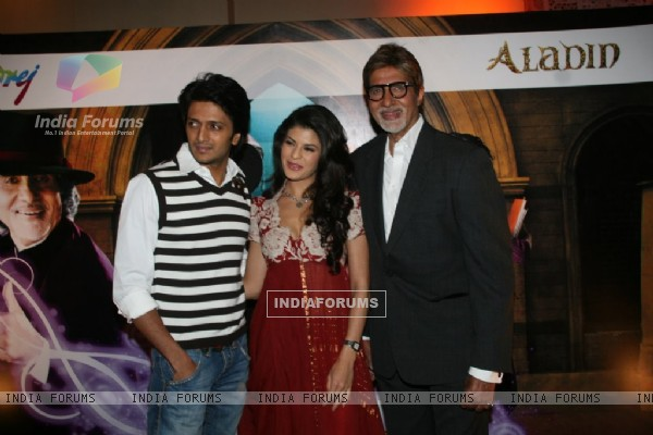 Amitabh Bachchan, Ritesh Deshmukh & Jacqeline Fernandes met the Aladin-Godrej Contest winners at a gala event held in Mumbai