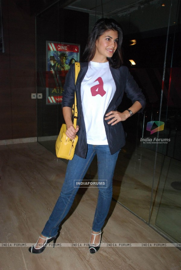Jacqueline Fernandes at Alladin Premiere in Cinemax