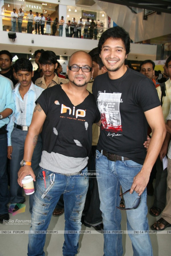 Bollywood actor Shreyas Talpade at Cut-a-thon session in Oberoi Mall, Mumbai