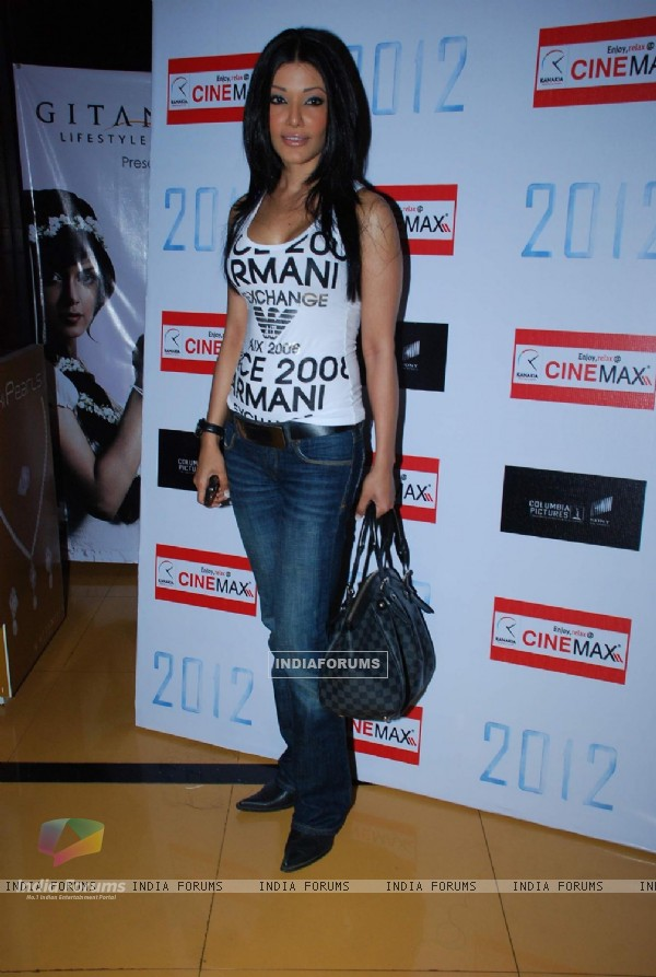 "Bollywood actress Koena Mitra at the premeire of flim Hollywood film ""2012"", Cinemax"