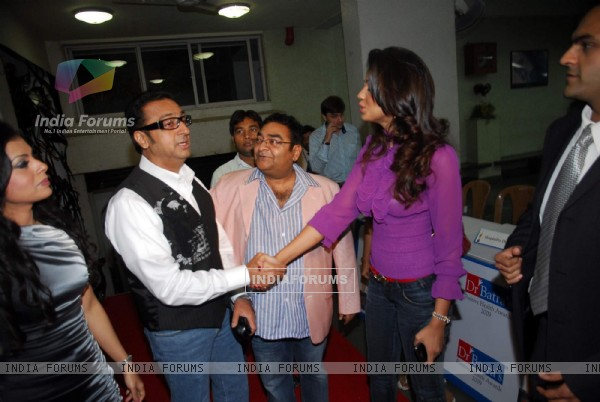 Bollywood actors Gulshan Grover and Mugdha Godse at Dr Batra''s Health Awards in Mumbai