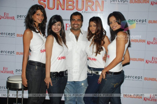 "Guest at ""Sun Burn Press Meet"" at Blue Frog"