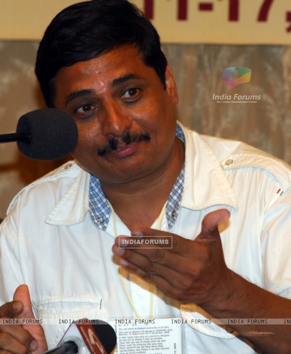 "Actor Nandu Madhav discussing a point at a press conference in 15th Kolkata Film Festival of his film ""Harishchandrachi Factory"" on 16th Nov 09"