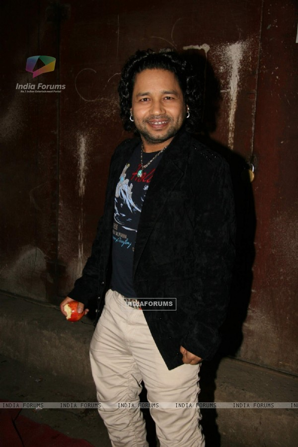 "Singer Kailash Kher at the final of MTV''s ""Rock On"" in Powai"