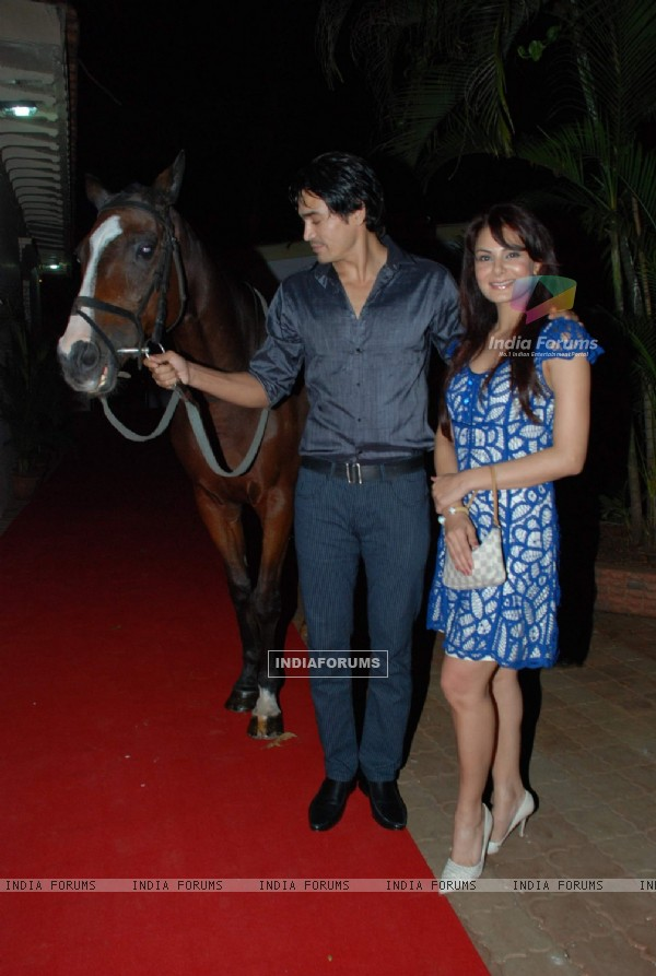 Models Anchal Kumar and Shawar Ali at the opening bash of new season of RWITC at Mahalaxmi Race Course