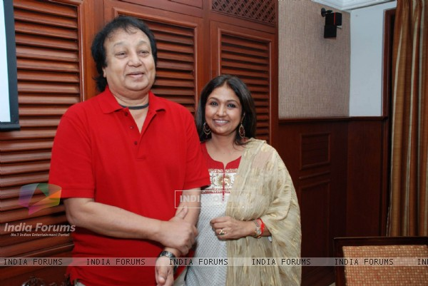 "Singer Bhupinder and Mitali at a press meet to promote ""Naam Gum Jayega"" show at The Club"