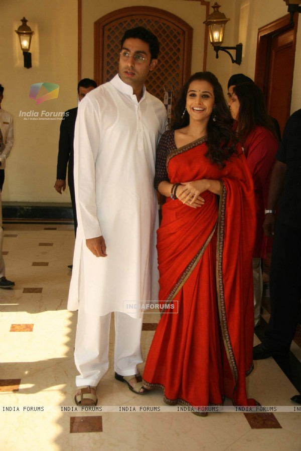 "Bollywood actors Abhishek Bachchan and Vidya Balan at a press meet of ""PAA"" at Taj Land''s End"