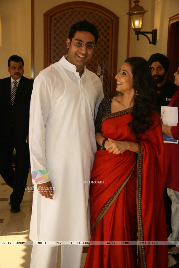 "Bollywood actors Abhishek Bachchan and Vidya Balan at a press meet of ""PAA"" at Taj Land''s End (82690)"