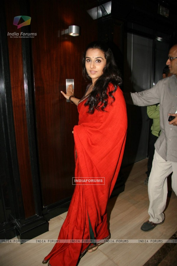 "Bollywood actress Vidya Balan at a press meet of ""PAA"" at Taj Land''s End (82691)"