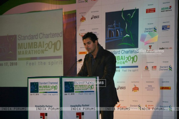 "John Abraham at ""Standard Chartered Mumbai Marathon 2010"" press meet at Oberoi Hotel (IANS: Photo)"