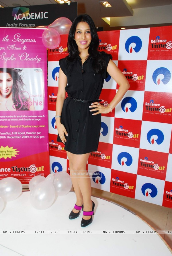 Sophie promotes her new album at Reliance Time Out at Bandra