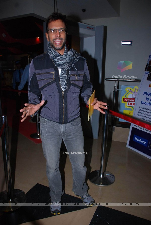 "Bollywood actor Javed Jaffrey at the premiere of Hollywood film ""Paranormal Activity"""