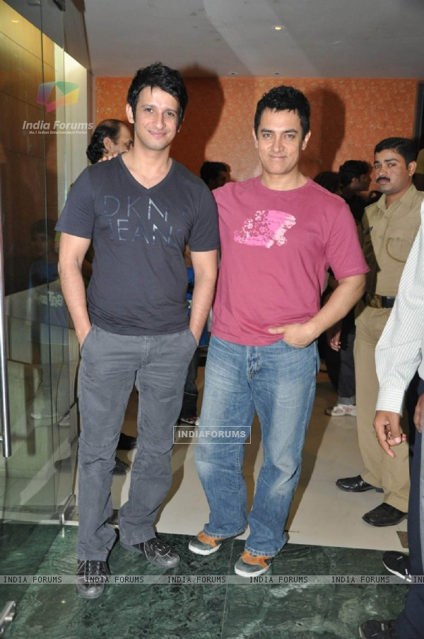 Aamir Khan at 3 Idiots film sceening for Pantaloons (83676)