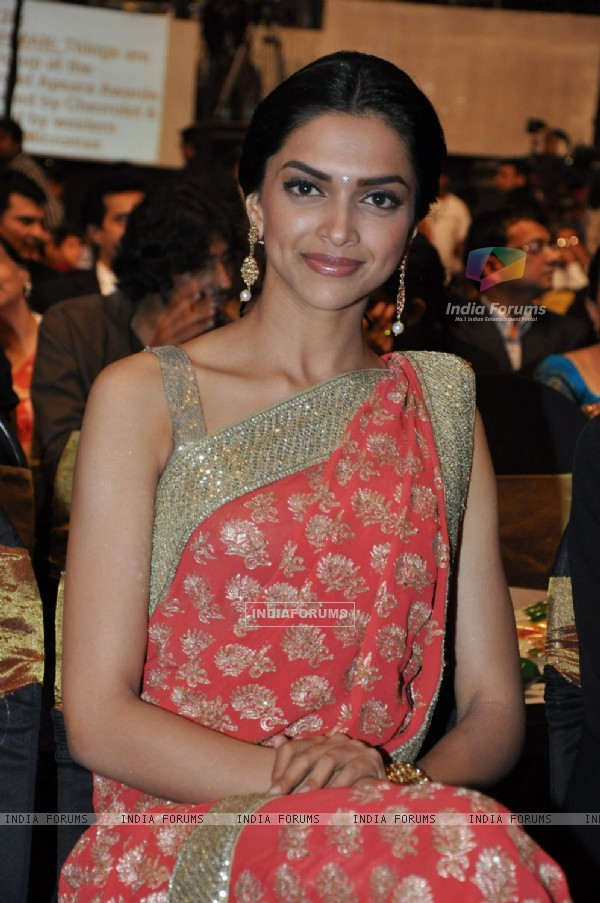 Deepika Padukone at Apsara Awards in Chitrakot Grounds