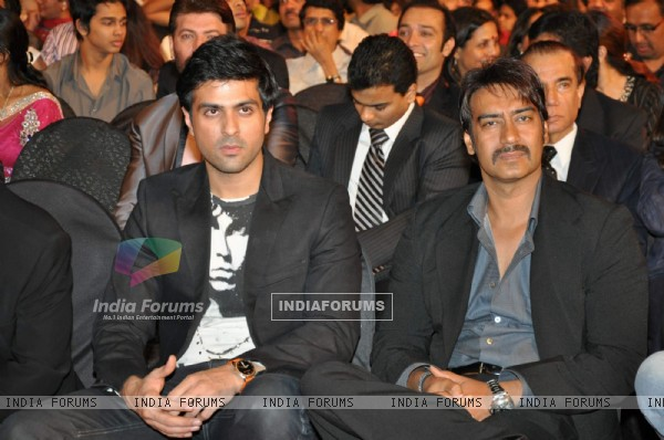 Harman Baweja and Ajay Devgan at Stardust Awards 2010 in Mumbai