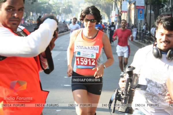 Bollywood actress Gul Panag at Marathon High Res in Mumbai